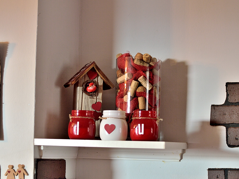 Valentine's Day decor. @s_shayevich #decor #valentine #handmade #budgetdecor #diy
