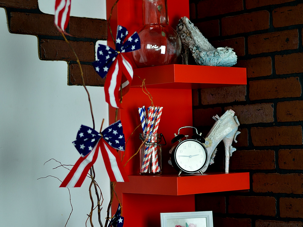 Budget friendly Americana Patriotic 4th of July Home Decor. Project by @s_shayevich