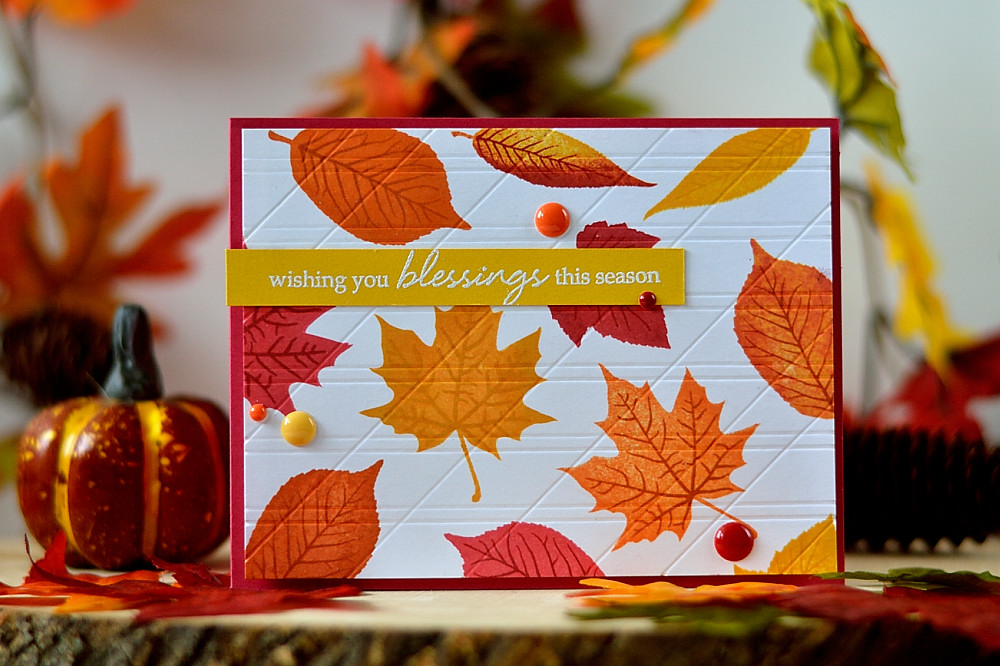 Check how scoring card background adds interesting texture to it. With Hero Arts Color Layering Grateful Leaves.by @s_shayevich