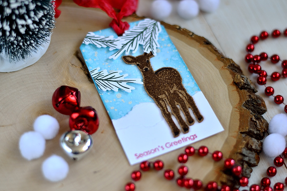 Christmas tag with stamped on cork deer. Project by @s_shayevich