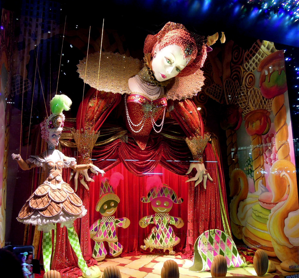 City Walks, Christmas in New York 2016. part 2. Saks Holiday Windows