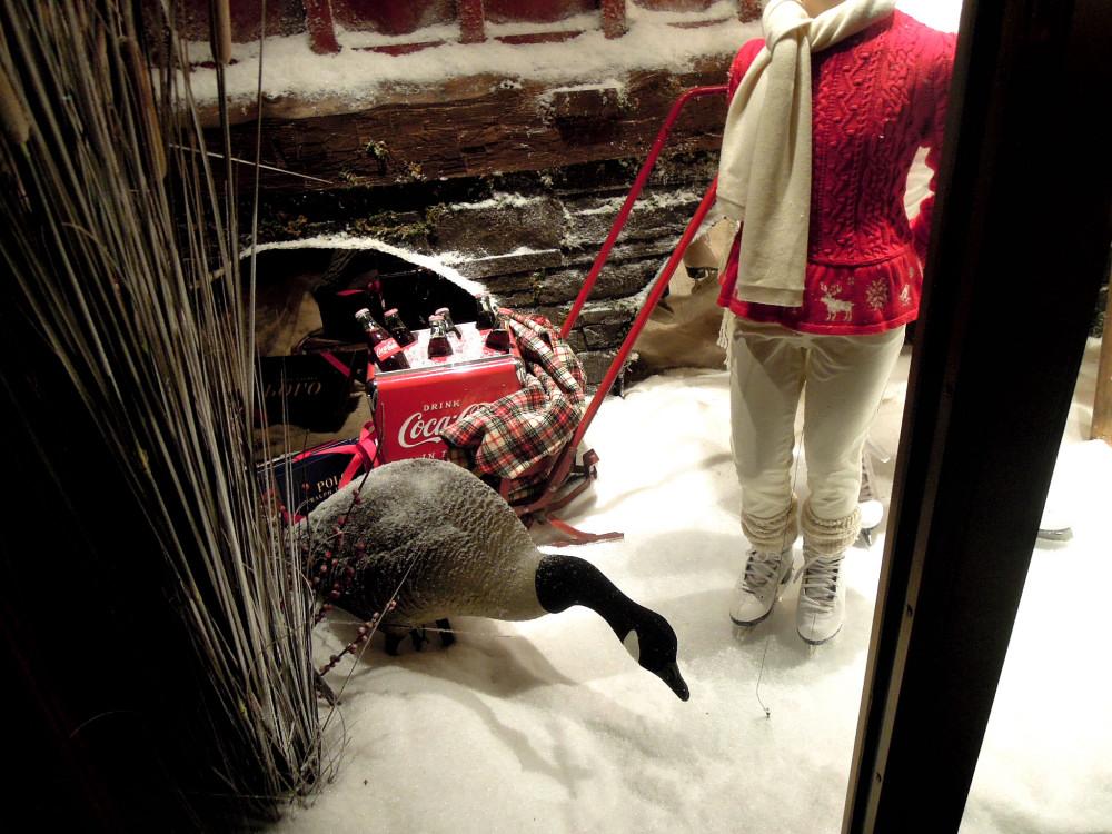 City Walks, Christmas in New York 2016. part 5. Ralph Lauren Holiday Windows