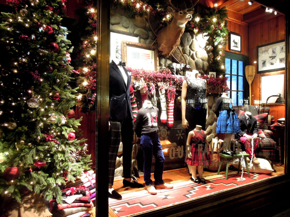 City Walks, Christmas in New York 2016. part 5. Ralph Lauren Holiday Windows