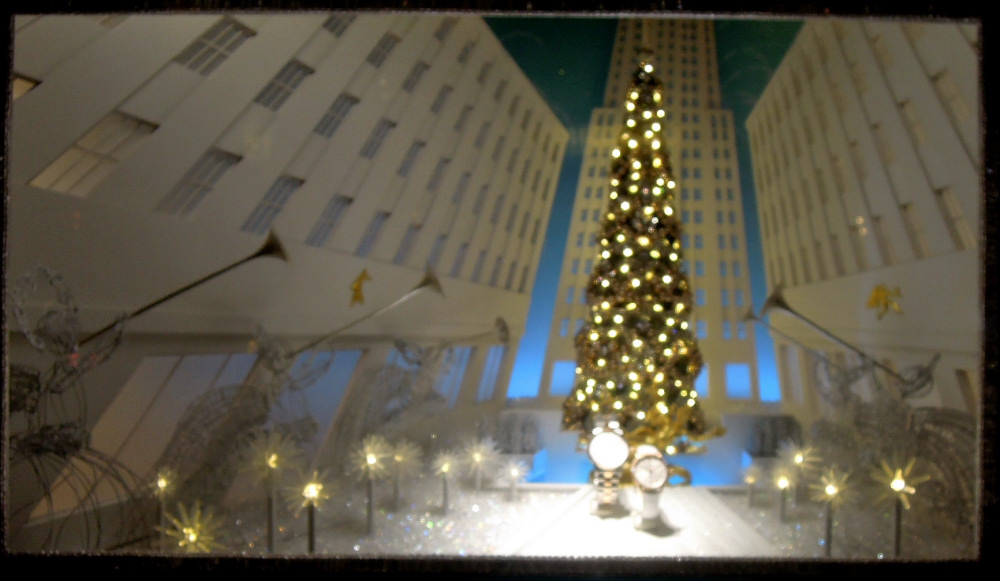 City Walks, Christmas in New York 2016. part 5. Tiffany Holiday Windows