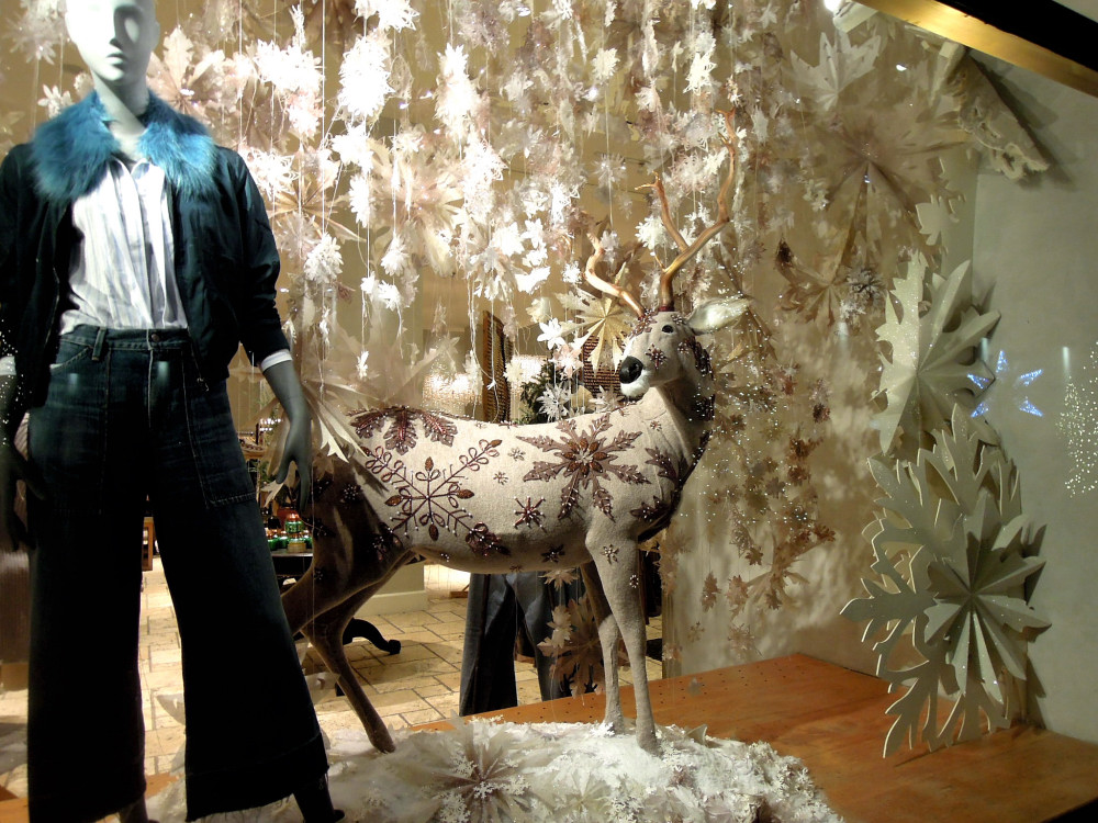 City Walks, Christmas in New York 2016. part 5. Anthropologie Holiday Windows