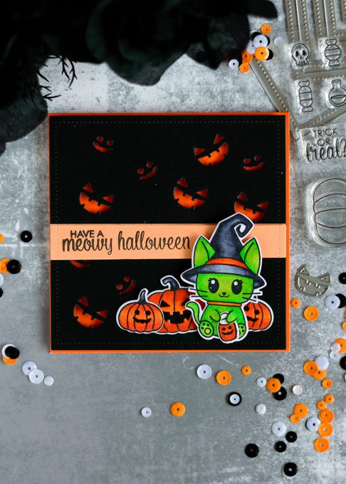 Scary, but cute Halloween card with Studio Katia Meowy Halloween. Card by @craftwalks