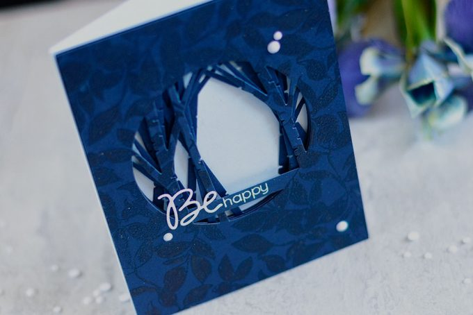 Simon Says Stamp Birch Circle Die - tunnel card. Card by @craftwalks #card #simonsaysstamp #sss #cardmaking
