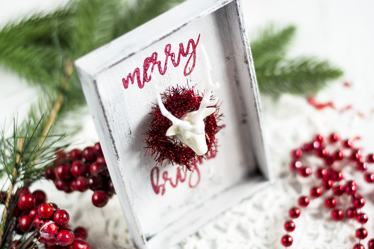 Mini Farmhouse Christmas Decor. Decor by Svitlana Shayevich