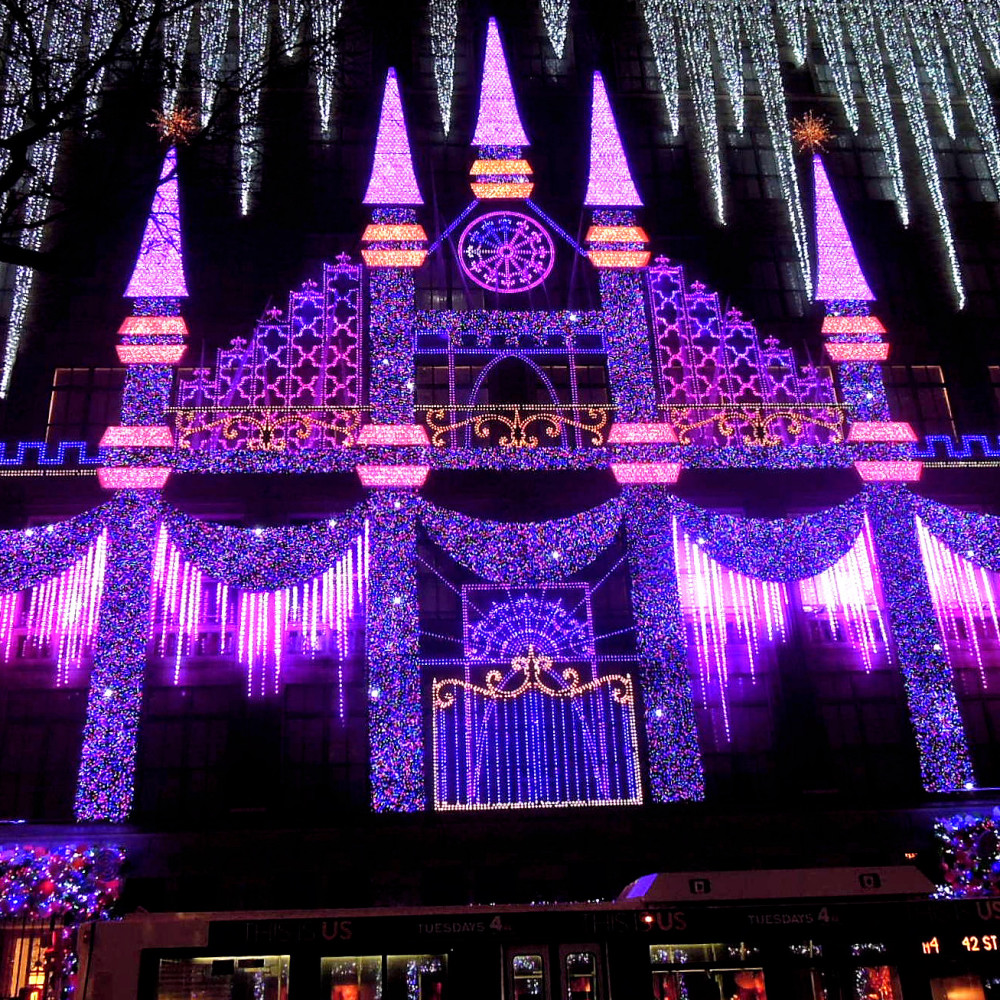 City Walks, Christmas in New York 2016. part 1. Saks Light Show
